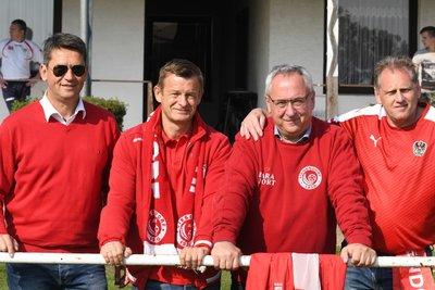 Bürgermeister Mag. Rainer Porics - ganz links