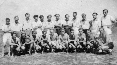 Bild 3 Mannschaftsfoto 1945 (1)