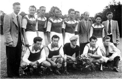 Bild 9 Mannschaftsfoto 1954