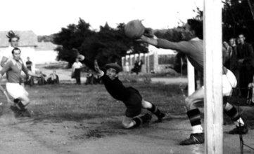 Bild 10 Hornstein - Siegendorf 2-2 (1951)