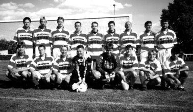 Bild 15 Mannschaftsfoto 2000